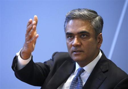 Anshu Jain, Co-Chairman of the Management board and the Group Executive Committee of Germany's largest business bank, Deutsche Bank AG gestures as he speaks during a visit at the Thomson Reuters office in Frankfurt February 21, 2013. REUTERS/Lisi Niesner
