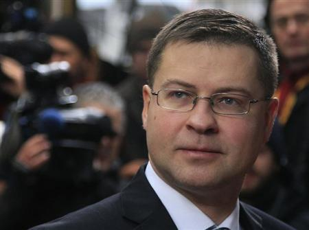 Latvia's Prime Minister Valdis Dombrovskis arrives at the European Union (EU) council headquarters for an EU leaders summit discussing the EU's long-term budget in Brussels November 23, 2012. REUTERS/Yves Herman