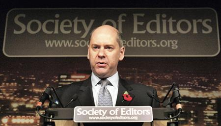 Jonathan Evans, the head of Britain's MI5 intelligence agency, speaks at the Society of Editors Annual Conference in Manchester, northern England, November 5, 2007.REUTERS/Manchester Evening news/Pool