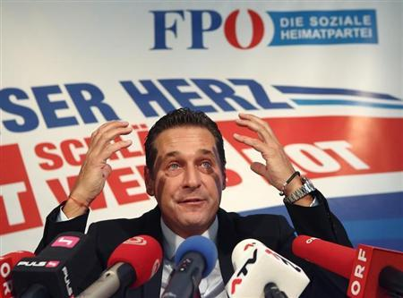 Head of Austrian Freedom Party (FPOe) Heinz-Christian Strache addresses a news conference in Vienna March 5, 2013. REUTERS/Heinz-Peter Bader