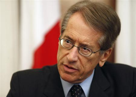Italian Foreign Minister Giulio Terzi takes part in a joint news conference with his Maltese counterpart Tonio Borg (not pictured) at Malta's Foreign Ministry in Valletta September 12, 2012.REUTERS/Darrin Zammit Lupi/Files