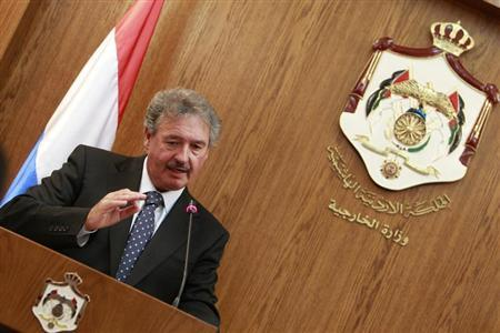 Luxembourg's Foreign Minister Jean Asselborn speaks during a joint news conference with his Jordanian counterpart Nasser Judeh (not pictured) in Amman June 8, 2011. REUTERS/Muhammad Hamed