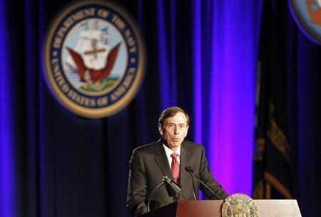 Former CIA Director and retired general David H. Petraeus speaks as the keynote speaker at the University of Southern California annual dinner for veterans and ROTC students, in Los Angeles, California March 26, 2013. REUTERS/Alex Gallardo