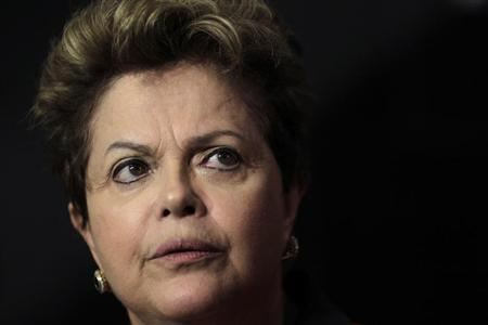 Brazil's President Dilma Rousseff speaks during a news conference after a ceremony to announce Measures of Consumer Protection at the Planalto Palace in Brasilia March 15, 2013. REUTERS/Ueslei Marcelino