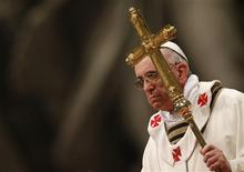 Pope Francis leads the Chrismal mass in Saint Peter's basilica at the Vatican March 28, 2013. REUTERS/Alessandro Bianchi