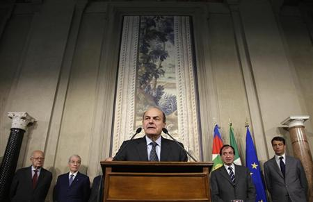 Italy's PD (Democratic Party) leader Pierluigi Bersani (C) speaks during a news conference following a meeting with Italian President Giorgio Napolitano at the Quirinale Presidential palace in Rome March 22, 2013. REUTERS/Max Rossi