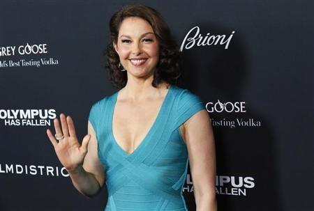 Cast member Ashley Judd arrives at the premiere of the movie ''Olympus Has Fallen'' at the ArcLight Cinema in Hollywood, California March 18, 2013. REUTERS/Patrick Fallon