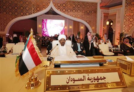 Sudan's President Omar Hassan al-Bashir looks on during the opening of the Arab League summit in Doha March 26, 2013. REUTERS/Ahmed Jadallah