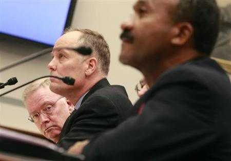 (L-R) Richard Syron, former CEO of Freddie Mac, Daniel Mudd, former CEO of Fannie Mae, Leland Brendsel, former CEO of Freddie Mac, and Franklin Raines, former CEO of Fannie Mae, testify at a House Oversight and Government Reform Committee hearing on Capitol Hill in Washington, December 9, 2008. REUTERS/Jason Reed