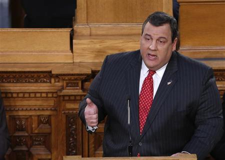 New Jersey Governor Chris Christie gives his State of the State address in the assembly chamber in Trenton, New Jersey, January 8, 2013. REUTERS/Carlo Allegri