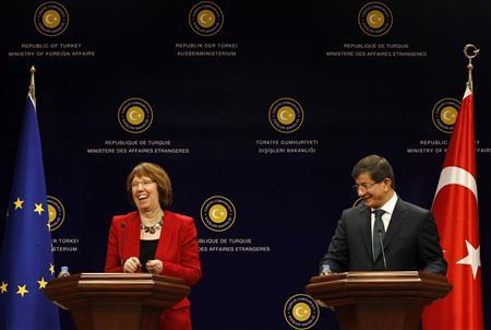 European Union foreign policy chief Catherine Ashton and Turkish Foreign Minister Ahmet Davutoglu (R) address a joint news conference in Ankara April 3, 2013. REUTERS/Umit Bektas