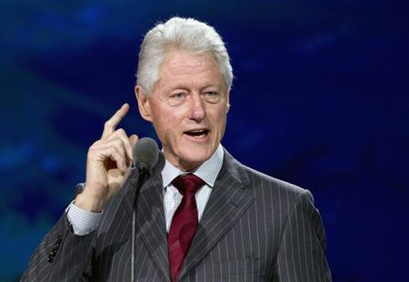 Former U.S. President Bill Clinton speaks during a Samsung keynote address at the Consumer Electronics Show (CES) in Las Vegas January 9, 2013. REUTERS/Steve Marcus