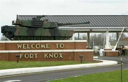 The gate to the U.S. Army Armor Center in Fort Knox, Kentucky is seen April 7, 2005. REUTERS/Rick Wilking/Files