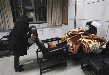 Le virus H7N9 a muté de façon favorable à une transmission d'homme à homme ?m=02&d=20130404&t=2&i=719164664&w=&fh=&fw=&ll=700&pl=300&r=CBRE933145T00