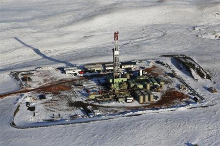 An oil drilling rig is seen outside of Tioga, North Dakota, March 12, 2013. REUTERS/Shannon Stapleton