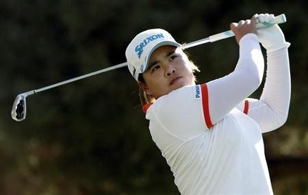 Inbee Park of South Korea tees off on the 17th hole during the second round of the Kraft Nabisco Championship LPGA golf tournament in Rancho Mirage, California, April 5, 2013. REUTERS/Danny Moloshok