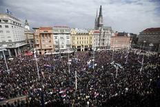 A general view of a protest at Zagreb's main square April 7, 2013. Around 20,000 Croats, mostly war veterans, rallied on Sunday on the central square in the capital Zagreb to protest against a plan to introduce signs in the Cyrillic alphabet used by Serbs. REUTERS/Antonio Bronic