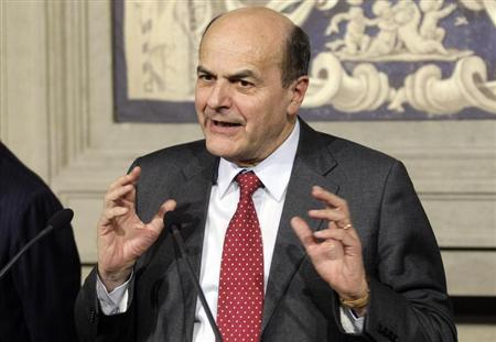 Italian centre-left leader Pier Luigi Bersani speaks after meeting with Italian President Giorgio Napolitano at Quirinale palace in Rome March 21, 2013. REUTERS/Remo Casilli
