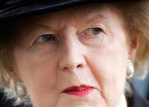 Margaret Thatcher, morte lundi à l'âge de 87 ans, a laissé en héritage une politique économique passée du rang d'idéologie radicale à la norme, révérée ou décriée. Des ministres des Finances de la zone euro réclamant des programmes de privatisation aux gouvernements des pays frappés par la crise de la dette aux élus américains qui exigent des baisses de la dépense publique ou une restriction du droit syndical: plus de vingt ans après, les tenants du thatchérisme restent profondément inscrits dans les politiques contemporaines. /Photo prise le 25 juillet 2005/REUTERS/Stephen Hird