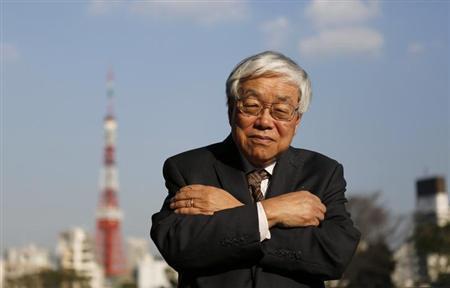 4月9日、安倍晋三首相のブレーンで内閣官房参与を務める浜田宏一米エール大名誉教授は、政府が2014年4月から予定している消費税率の引き上げを1年先送りすることも選択肢との認識を示した。写真は3月、都内で撮影(2013年 ロイター/Toru Hanai)