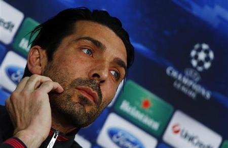 Juventus' goalkeeper Gianluigi Buffon attends a news conference in Munich April 1, 2013. REUTERS/Michael Dalder