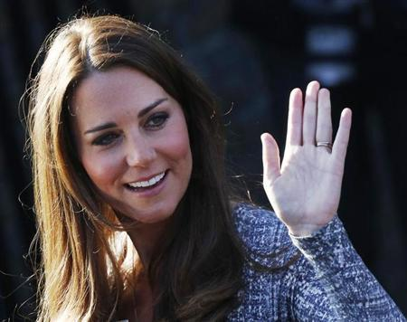 Britain's Catherine, Duchess of Cambridge leaves Hope House addiction treatment centre after an official visit in London February 19, 2013. REUTERS/Luke MacGregor