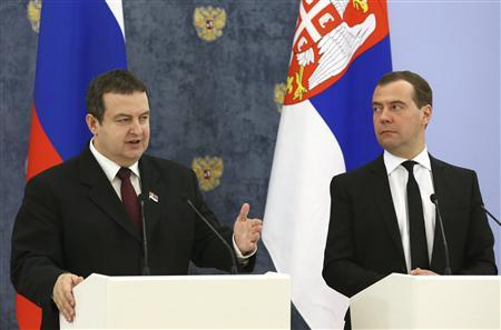 Russia's Prime Minister Dmitry Medvedev (R) and his Serbian counterpart Ivica Dacic attend a news conference at the Gorki state residence outside Moscow, April 10, 2013. REUTERS/Ekaterina Shtukina/RIA Novosti/Pool