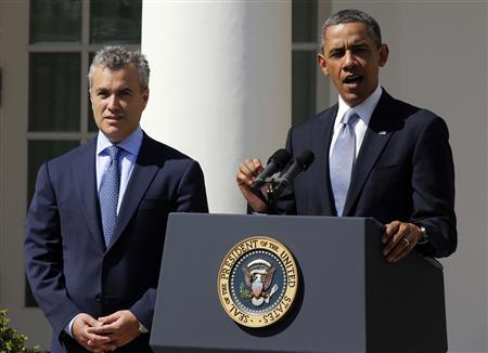 U.S. President Barack Obama speaks about the Fiscal Year 2014 Budget while next to acting Director of Office of Management and Budget Jeffrey Zients in the Rose Garden at the White House in Washington, April 10, 2013. REUTERS/Larry Downing