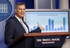 Alan Krueger, chairman of the Council of Economic Advisers, speaks during a media briefing at the White House in Washington November 26, 2012. REUTERS/Kevin Lamarque