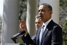 U.S. President Barack Obama delivers remarks on the budget alongside acting Director of Office Management and Budget Jeff Zients, in the Rose Garden of the White Hose in Washington, April 10, 2013. REUTERS/Jason Reed