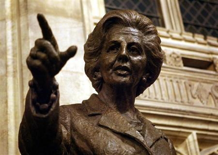 A bronze statue of former British Prime Minister Margaret Thatcher is seen inside the Palace of Westminster, London, February 21, 2007. REUTERS/Johnny Green/PA/Pool