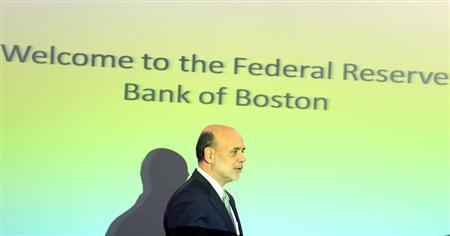 U.S. Federal Reserve Chairman Ben Bernanke leaves after speaking at the Boston Federal Reserve Bank in Boston, Massachusetts October 18, 2011. REUTERS/Adam Hunger