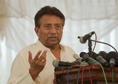 Pakistan's Musharraf flees court after judges order...