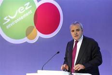 Jean-Louis Chaussade, directeur général de Suez Environnement, dont le groupe a remporté, dans le cadre d'un consortium, un contrat de 30 ans d'une valeur de 1,4 milliard d'euros portant sur la gestion des déchets ménagers au Royaume-Uni. /Photo d'archives/REUTERS/Benoît Tessier