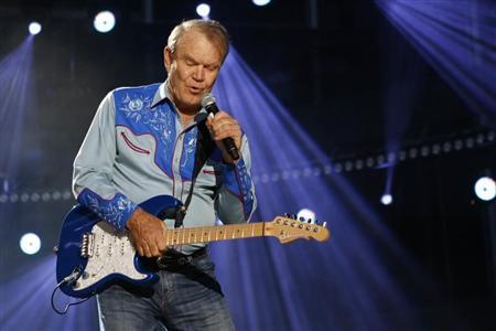 American country music artist Glen Campbell performs during the Country Music Association (CMA) Music Festival in Nashville, Tennessee June 7, 2012. REUTERS/Harrison McClary