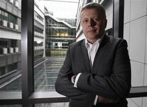 Maciej Witucki, patron de TPSA. Le bénéfice net de l''opérateur télécoms polonais, filiale de France Télécom, a chuté de 67% au premier trimestre. Il continue de pâtir d'une concurrence féroce et d'une baisse des tarifs des appels mobiles. /Photo prise le 12 février 2013/REUTERS/Peter Andrews