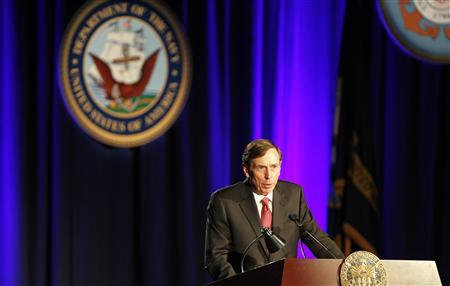 Former CIA director and retired general David Petraeus serves as the keynote speaker at the University of Southern California annual dinner for veterans and ROTC students, in Los Angeles, California March 26, 2013. REUTERS/Alex Gallardo