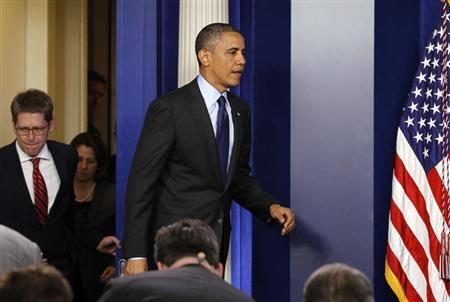 U.S. President Barack Obama arrives to make a statement from the briefing room of the White House in Washington, following the capture of the second Boston Marathon bombing suspect, April 19, 2013. REUTERS/Kevin Lamarque