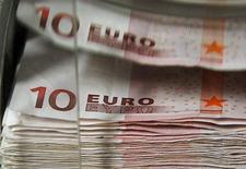 Les crédits aux entreprises non financières ont progressé de 1,1% en mars en France, soit un rythme comparable à celui de février (+1,0%) et sensiblement supérieur au creux touché en janvier (+0,5%), selon les données de la Banque de France. /Photo d'archives/REUTERS/Thierry Roge