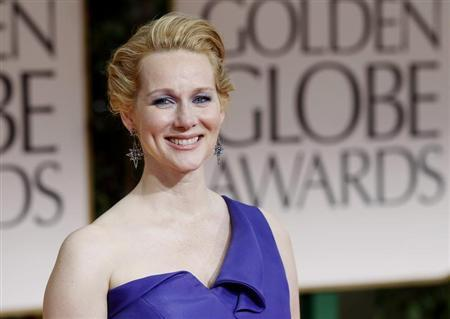 Actress Laura Linney arrives at the 69th annual Golden Globe Awards in Beverly Hills, California January 15, 2012. REUTERS/Mario Anzuoni