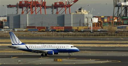 An Embraer ERJ-170 plane from United is seen at Newark Liberty International Airport in Newark, New Jersey November 15, 2012. REUTERS/Eduardo Munoz