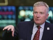 Le directeur général de NYSE Euronext Duncan Niederauer. Le groupe, maison mère du New York Stock Exchange et de l'opérateur boursier européen Euronext, a vu ses bénéfices progresser de 44% au premier trimestre, à la faveur d'une hausse des volumes de transactions de produits dérivés européens. /Photo prise le 27 février 2013/REUTERS/Brendan McDermid