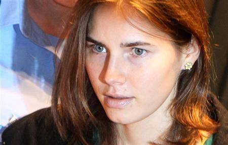 Amanda Knox, the U.S. student convicted of murdering her British flatmate Meredith Kercher in Italy in November 2007, arrives in court for her appeal trial session in Perugia October 3, 2011. REUTERS/Giorgio Benvenuti