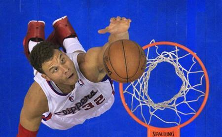 Los Angeles Clippers Blake Griffin scores against the Memphis Grizzlies during Game 5 of their NBA Western Conference Quarterfinals basketball playoff series in Los Angeles April 30, 2013. REUTERS/Lucy Nicholson