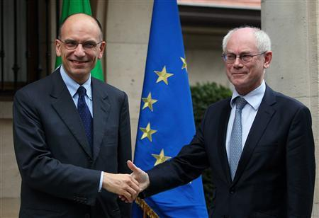 Italian Prime Minister Enrico Letta (L) poses with European Council President Herman Van Rompuy before their meeting in Brussels May 1, 2013. REUTERS/Olivier Hoslet/Pool