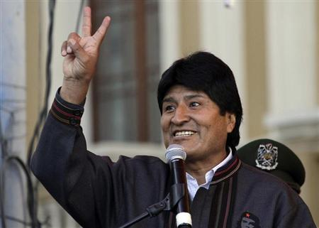 Bolivia's President Evo Morales gestures during May Day celebrations at Murillo square in La Paz May 1, 2013. REUTERS/David Mercado
