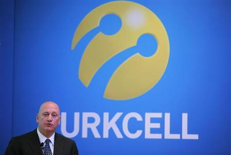 Turkcell Chief Executive Sureyya Ciliv speaks during a news conference in Istanbul May 3, 2012. REUTERS/Osman Orsal