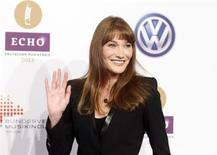 France's former First Lady Carla Bruni-Sarkozy arrives on the red carpet for the Echo Music Awards ceremony in Berlin March 21, 2013. REUTERS/Tobias Schwarz