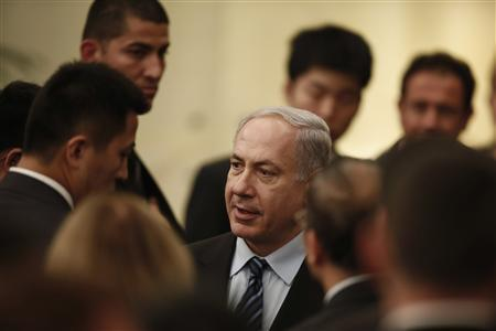 Israel's Prime Minister Benjamin Netanyahu (C) attends a gala dinner in Shanghai May 6, 2013. REUTERS/Aly Song