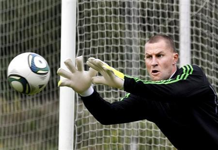 Stockholm soccer team AIK Solna goalkeeper Ivan Turina attends a training session in this September 18, 2011 file photo provided by Scanpix Sweden. REUTERS/Tomas Oneborg/Scanpix Sweden/Files